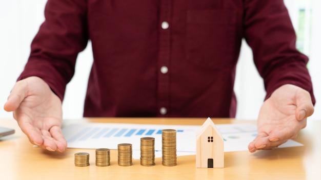 Investeringen in onroerend goed en hypotheek financieel concept