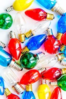 Inzameling van kleurrijke gloeilampen