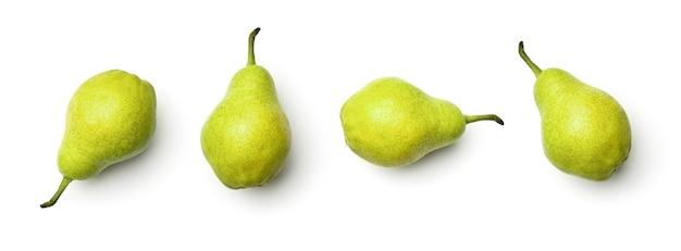 Inzameling van peren die op witte achtergrond wordt geïsoleerd. set van meerdere afbeeldingen. onderdeel van series