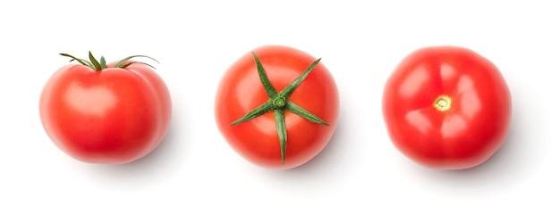 Inzameling van rode tomaten die op witte achtergrond wordt geïsoleerd. set van meerdere afbeeldingen. onderdeel van series