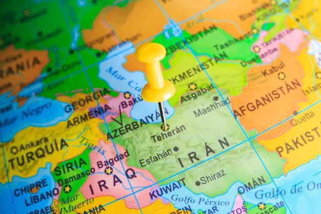 Iran vastgemaakt op een kaart van azië