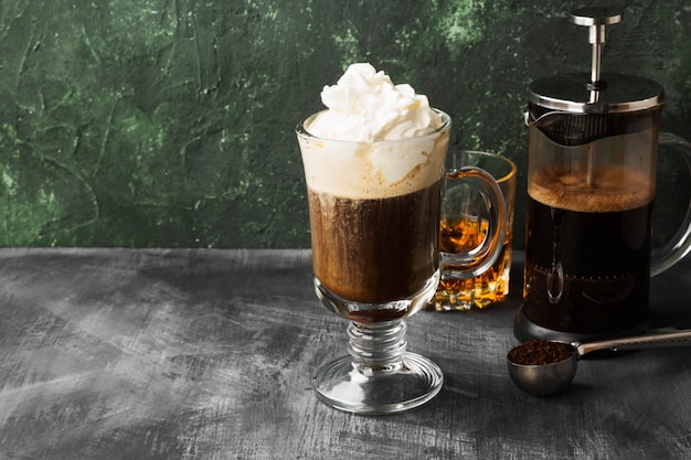 Irish coffee met whisky