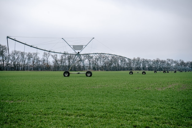 Irrigatiesysteem in een landbouwgebied.