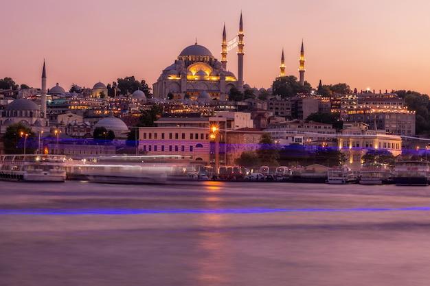 Istanbul bij zonsondergang