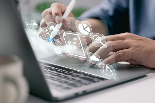 It werkt op laptop bedrijfsprocessen document management systeem dms voortgangsplanning