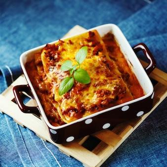Italiaans eten. lasagne plaat.