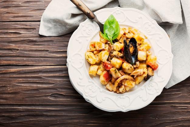 Italiaanse aardappelgnocchi met zeevruchten