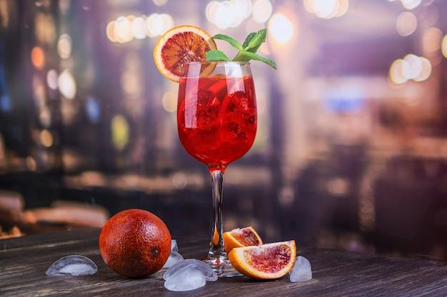 Italiaanse aperol spritz-cocktail