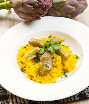 Italiaanse risotto met artisjok