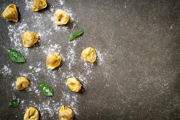 Italiaanse traditionele tortellinideegwaren