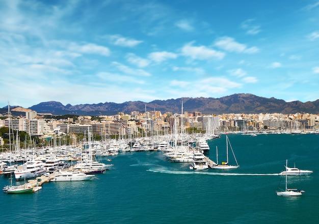 Jachthavenhaven in palma de mallorca op de balearen, spanje