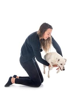 Jack russel terrier en vrouw