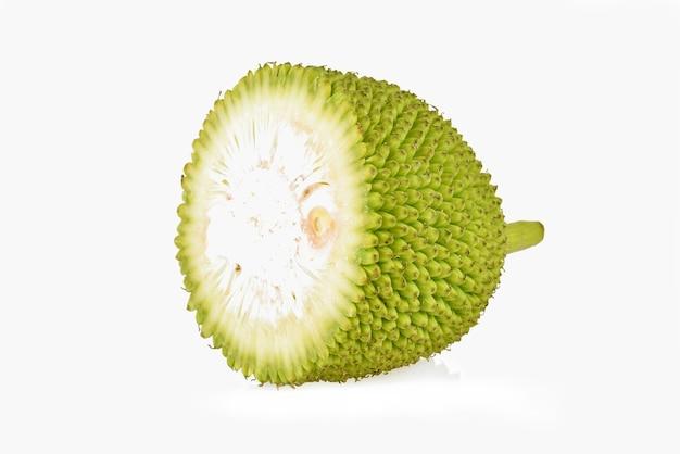 Jackfruit gesneden geïsoleerd op witte achtergrond
