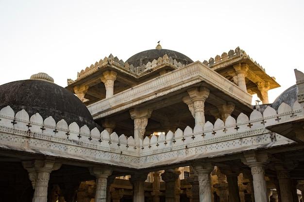 Jain-tempel van aadinah