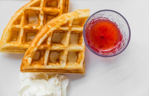 Jam ontbijt en wafels