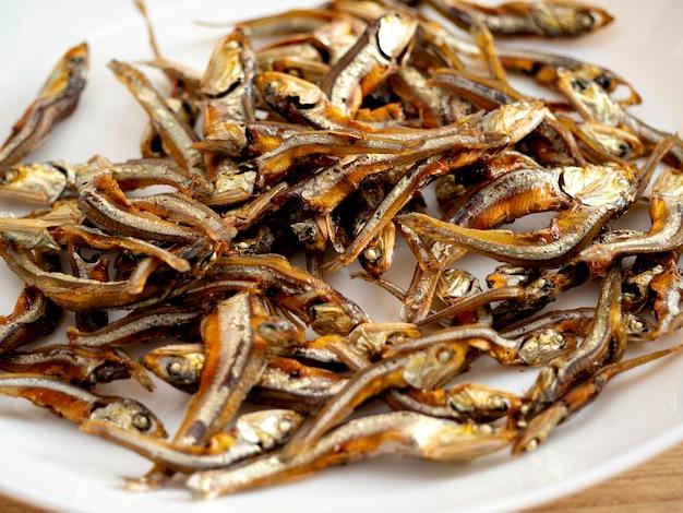 Japans gezond voedsel. iriko vis.