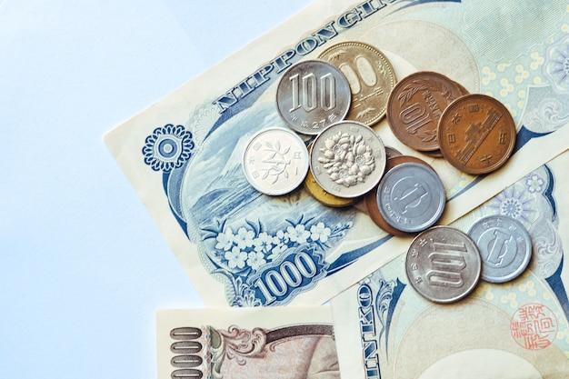 Japanse bankbiljetten en munten voor het bedrijfsleven