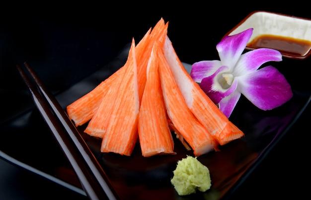 Japanse kani of crap stick gesneden en ingesteld.