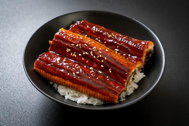 Japanse paling gegrild met rijstkom of unagi don, japans eten