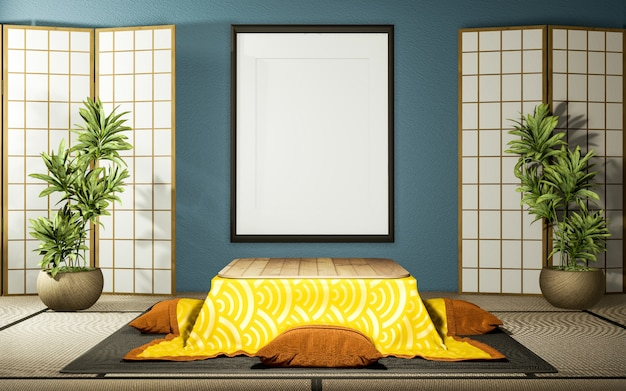 Japanse partitie papier houten ontwerp en kotatsu lage tafel op mint woonkamer tatami vloer.