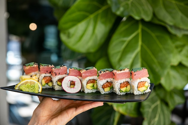 Japanse rolletjes met zalm en tonijn