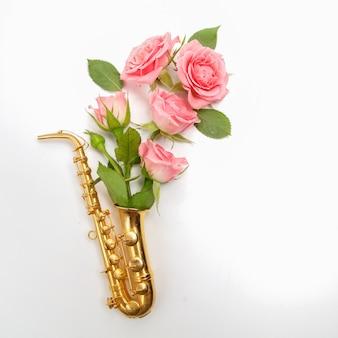 Jazz dag. saxofoon met bloemen