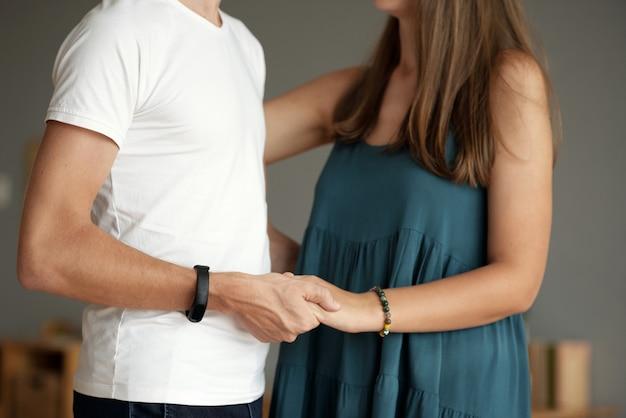 Je hand vast houden