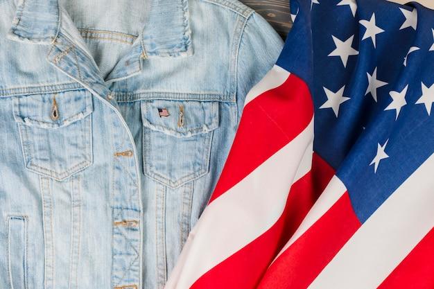 Jean-vest en de vlag van de vs