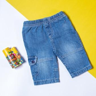 Jeans broek geïsoleerd