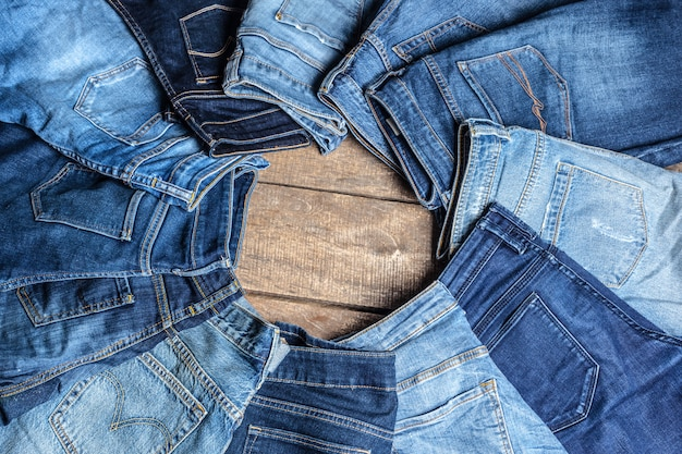 Jeans op hout