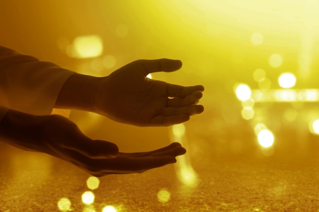 Jezus christus hand bidden tot god