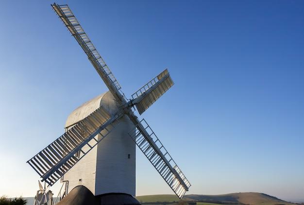 Jill windmill op een winterse dag in clayton east sussex