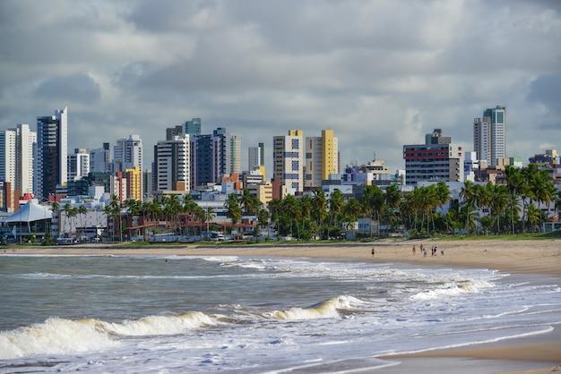 Joao pessoa paraiba brazilië op 25 september 2013 uitzicht op het strand van manaira