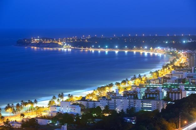 Joao pessoa paraiba brazilië op 8 oktober 2012 nachtzicht op het strand van cabo branco