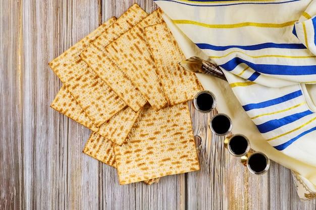 Jodendom en religieuze thora op joodse matza op pascha