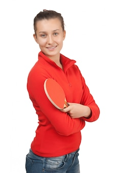Jong meisje met een racket pingpong op wit wordt geïsoleerd