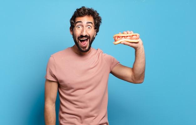Jong stel dat fastfood mee naar huis neemt Premium Foto