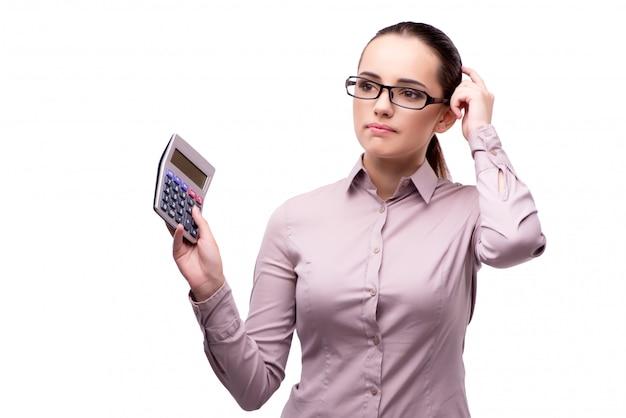 Jonge accountant met calculator die op wit wordt geïsoleerd