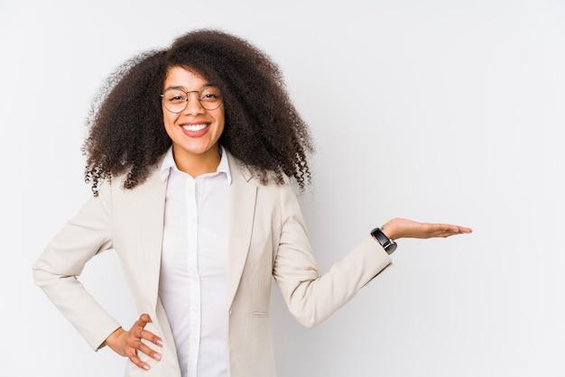 Jonge afrikaanse amerikaanse bedrijfsvrouw t.