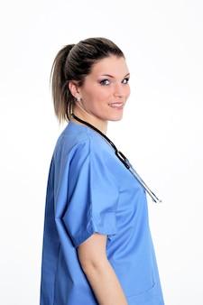 Jonge artsenvrouw met stethoscoop