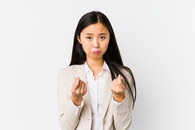 Jonge chinese bedrijfs geïsoleerde vrouw tonend dat zij geen geld heeft.