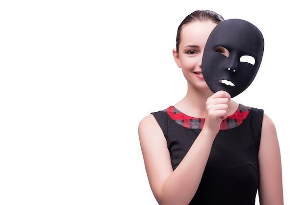 Jonge die vrouw met masker op wit wordt geïsoleerd