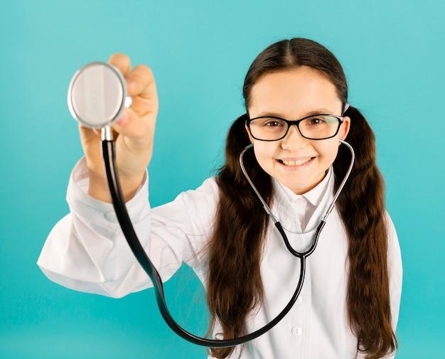 Jonge dokter hoge hoek weergave