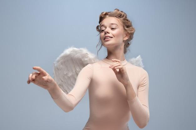 Jonge en sierlijke balletdanser, ballerina dansen