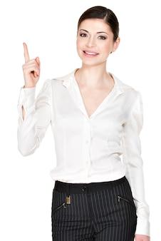 Jonge gelukkige vrouw met een goed idee teken in wit overhemd -. volledig portret