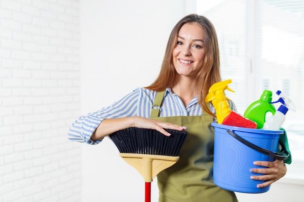 Jonge huisvrouw