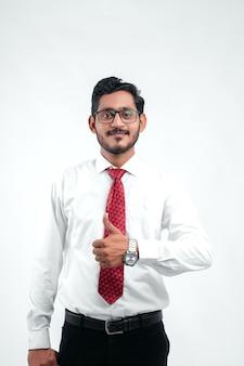 Jonge indische succesvolle bedrijfsmens