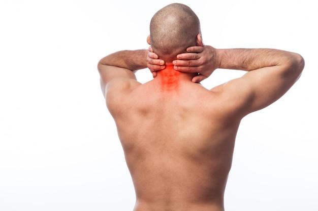 Jonge kale man sportieve lichaamsbouw gestrekte nek