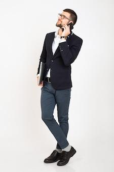 Jonge knappe stijlvolle hipster man in jonge jas