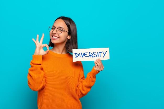 Jonge latijns-vrouw diversiteit concept